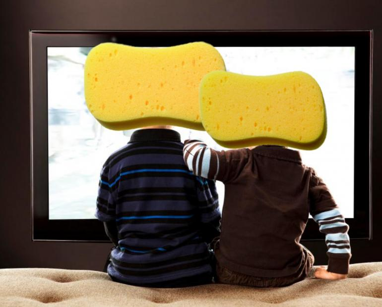 Children with heads as sponges