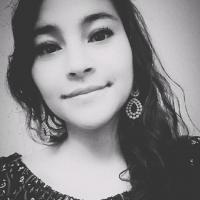 Retrato en blanco y negro de la autora del blog